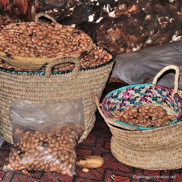 brązowe nasiona arganii